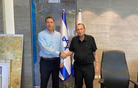 השר כהנא ורון חולדאי פועלים למנות רב ראשי תל אביב-יפו.